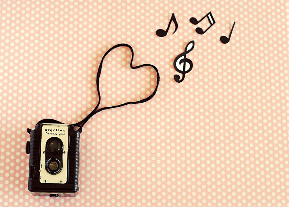 retro-vintage-photographyretro-pink-music-vintage-photography-art-wallpaper-wallchips-72ftwpdq