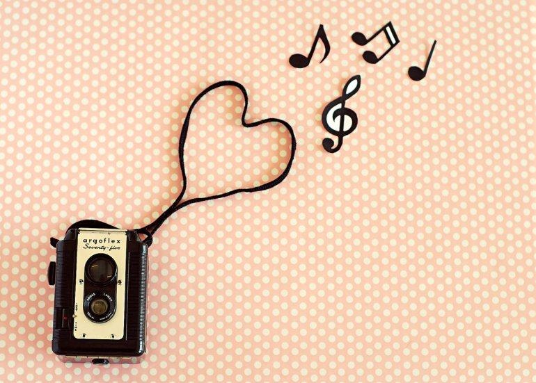 retro-vintage-photographyretro-pink-music-vintage-photography-art-wallpaper-wallchips-72ftwpdq